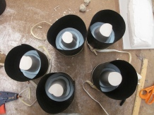 5 plaser cups, just before pouring de molds